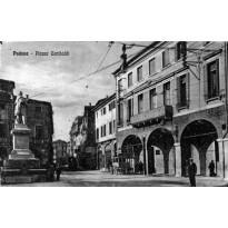 http://www.taxipadova.it/wp-content/uploads/PIAZZA-GARIBALDI-4.jpg